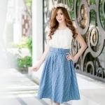 เสื้อผ้าโอซาก้าสีขาวเนื้อดีเย็บสวยๆ พร้อมกระโปรงผ้าคอตตอทเนื้อสวยเข้าชุดกับเข็มขัดจ้ะ