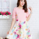 เดรสผ้าซันเวฟตัดต่อความสวยงามด้วยผ้าสกูบ้าลายดอกสีสวยหวาน คอนเฟิมร์ว่าน่ารักจ้ะ