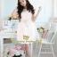 ชุดเดรสเจ้าหญิง สวยหวานน่ารักสีขาว เนื้อผ้าลูกไม้ลายดอกแต่งด้านบนเป็นผ้าตาข่ายซีทรู ดูสวยเซ็กซี่เล็กๆ ประดับมุกเม็ดกลมขาวขุ่น มีสายผ้าป่านคาดเอวสีขาวผูกเป็นโบว์ให้ กระโปรงด้านล่างเป็นผ้าแก้วสวยๆ thumbnail 2