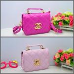กระเป๋า โลโก้ CC มีสายยาว (ชมพูอ่อน/ชมพูเข้ม) คละ 2 สี 2 ใบ/แพค **ส่งฟรี**
