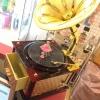 กล่องดนตรีเครื่องเล่นแผ่นเสียงโบราณ