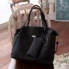 *พรี ออเดอร์* กระเป๋าแฟชั่น PG สีดำ ทรงShoping Bag หนังเย็บเป็นลายตาราง พร้อมกระเป๋าสตางค์ใบเล็กไว้สำหรับใส่เศษสตางค์ พร้อมสายสะพายยาว