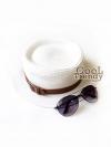 หมวกทรงขนมเค้ก หมวกแฟชั่นสไตล์เกาหลี คาดสายหนังสไตล์วินเทจ - สีขาว Milky