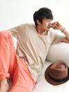 เสื้อคอยูสไตล์ใหญ่ใส่สบายแฟชั่นเสื้อผู้ชายเกาหลีมี4สี
