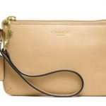 COACH SMALL WRISTLET IN SAFFIANO LEATHER # 49377 สี brass carmel