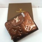 กระเป๋าสตางค์   Louis Vuitton 2 พับ มาใหม่ ขนาด  4x5  นิ้ว มีช่องใส่เหรียญ สีน้ำตาล