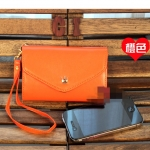 กระเป๋าใส่iPhone แบบมงกุฏ -สีส้ม (กระเป๋าจะมีตำหนินิดหน่อยตรงที่เป็นสีทอง สีมันลอกนะคะ ตรงรูเกี่ยวกับตะขอเกี่ยวค่ะ)
