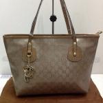 กระเป๋า Gucci  ทรง Shopping  ขนาด  16  นิ้ว  สีเงิน