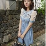 """""""พร้อมส่ง""""เสื้อผ้าแฟชั่นสไตล์เกาหลีราคาถูก Brand Chuvivi เดรสผ้าฝ้ายนิ่มสีฟ้า กระดุมหน้า 5เม็ด ช่วงเอวกระดุมหลอก จั๊มเอว แขนสั้นลูกไม้ แต่งลูกไม้ลูกปัดช่วงอก ไม่มีซับใน sizeM"""