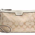 Coach Campbell Signature Large Wristlet # 51111 สี SILVER/LIGHT KHAKI/IVORY