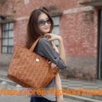 [พร้อมส่ง]กระเป๋าสะพายข้าง MCM สีครีม สีน้ำตาล สินค้านำเข้า