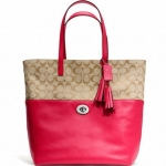 Coach Legacy Turnlock Tote in Signature Fabric # 26476 สี Silver/Light Khaki/Pink Scarlet