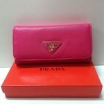 กระเป๋าสตางค์  Prada 3 พับ ขนาด  7.5 x 4 นิ้ว งานหนังสวย อะไหล่ปั๊ม  สีชมพูบานเย็น