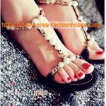 [พร้อมส่ง] รองเท้าส้นสูง สีดำ ประดับมุก  ไซส์39#