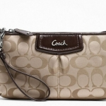 Coach Ashley Signature Sateen Large Wristlet # 48075 สี SV/Khaki/Mahogany