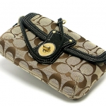 Coach Signature Legacy Capacity Wristle # 41941 สี Khaki/Black