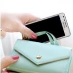 """""""พร้อมส่ง""""กระเป๋าใส่iPhone 4/4s, iPhone 5,samsung i9100 แบบมงกุฏ 3ช่อง มีซิป -สีฟ้าอ่อน"""