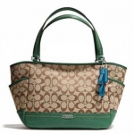 Coach  Park Signature Carrie Tote # 23297 สี Khaki Green