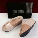 รองเท้าแบรนด์เนม ยี่ห้อ Louis Vuitton มีไซส์ 36-40 สีครีม-น้ำตาล