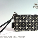 Coach Waverly Signature Print Small Wristlet # 50480 สี SV/ Black/White