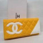 กระเป๋าสตางค์ Chanel มาใหม่ แบบยาว 3 พับ งานสวยลายตัดสามเหลี่ยม เน้นโลโก้  ขนาด 4x7.5  นิ้ว