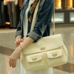 """""""พร้อมส่ง""""กระเป๋าแฟชั่น Axixi กระเป๋าสะพายใบใหญ่ มีกระเป๋าด้านหน้า2ข้าง ติดตัวล็อค สีขาวครีม"""