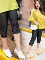 กางเกงยีนส์ยืดขาสามส่วน สีดำ/สีน้ำเงิน ปลายขาย่นแต่งลูกปัดเงิน (XL,2XL,3XL)