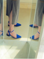 ส้นเตี้ย หัวแหลม รัดข้อเท้า สีน้ำเงิน
