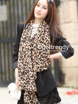 ผ้าพันคอแฟชั่นลายเสือ Leopard สีน้ำตาลอ่อน size 160x45 cm