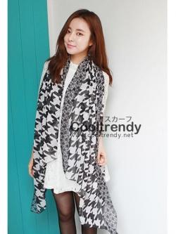 ผ้าพันคอลายชิโนริ Houndstooth pattern ผ้า Viscose 160x80 cm