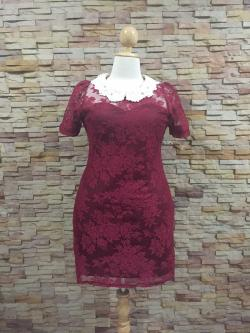 XL132 ชุดเดรสผ้าลูกไม้ สีแดง แต่งปกโครเชต์ ติดเพชร ช่วยให้ชุดดูสวยหรู ใส่เข้ารูปทรงสวยงามดค่ะ