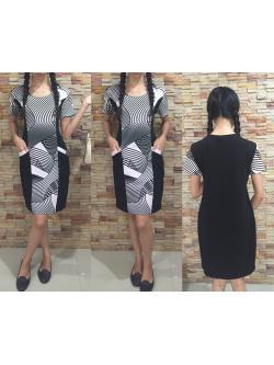 2 Size= L,XL เดรสผ้า Cotton เป็นผ้าแบบยืด UNIQLO ตัดต่อด้านหน้า และแขนด้วยผ้า ลวดลายกราฟฟิกขาวดำ