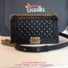 Chanel Boy สีดำ 10 นิ้ว Lamp Leather