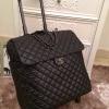กระเป๋าเดินทางChanel Cocoon แบบล้อลาก สีดำ