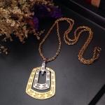 Vintage necklace : สร้อยคอวินเทจ จี้เหลี่ยมโลหะสีทอง+สีเงิน *วัดความยาวรอบเส้น*