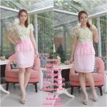 ราคา 1ชุด 350 ฿ 3ชุดส่ง 320฿ ชุดเดรสเสื้อลูกไม้นิ่มยืดหยุ่น ทอลวดลายสวยงามโทนสีหวานๆ กระโปรงผ้าชีฟองสีชมพู