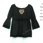 vintage top : เสื้อวินเทจสีดำ ทรงเข้ารูป แขนบานติดกระดุมหลัง ตัวเสื้อตัดต่อด้วยด้วยผ้าลูกไม้ถัก
