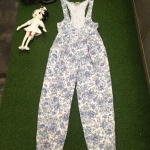 Vintage jumpsuit made in usa. : จั๊มสูทยีนส์ลายดอก ผ้ายีนส์เนื้อนิ่ม ไม่หนา ทรงน่ารัก