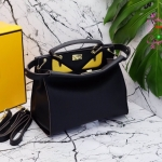 กระเป๋า Fashion นำเข้าเกาหลี แบบเหมือนของ Fendi รุ่น peekaboo monster