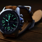 เคยสงสัยไหมครับ เวลานาฬิกาของเรามันอยู่ในที่มืดทำไมมันถึงเรืองแสงหละ....?????