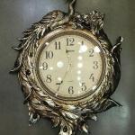 นาฬิกาติดผนังดีไซน์สวยหรู รูปนกยูงทอง H169-KY