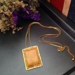 vintage nevklace : สร้อยคอวินเทจ จี้ทรงสีเหลี่ยมสีทอง