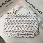 Bao Bao Issey Miyake 'CRYSTAL' Tote Bag สีขาว งานHiend Original