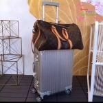 กระเป๋าเดินทางล้อลาก Rimowa สีเงิน งานHiend