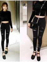 กางเกงยีนส์สีดำ แต่งขาด เซอร์แนว เก๋ เท่ฝุดๆ เอวกลาง ทรงเดฟ ซิปหน้า ผ้ายีนส์ฟอกสี เป็นยีนส์ยืด ทรงสวยเก็บเอวเก็บสะโพกเป๊ะ