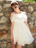44907-ขาว ชุดเดรสสั้นสีขาว หน้าอกเย็บระบาย สวยเก๋ เปิดไหล่ สวยหวาน