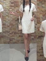 3 Size= M,L,XL เดรสผ้าลูกไม้สีครีมลาย Prada อย่างดีมีซับในทั้งตัว เนื้อผ้าทิ้งตัวเป็นทรงสวย ใส่ได้หลายโอกาสใส่ทำงาน