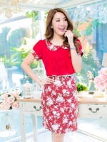 ชุดเดรสเสื้อคลุมผ้าชีฟองสีแดง ปกบัว ชุดผ้าคอตตอลลายดอกกุหลาบ ดีไซส์เก๋ น่ารักสุดๆค่ะ