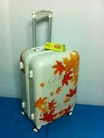 กระเป๋าเดินทางลายใบเมเปิ้ล ไซส์ 24 นิ้ว