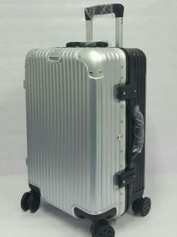 กระเป๋าเดินทางล้อลาก ขอบมิเนียม 20 นิ้ว